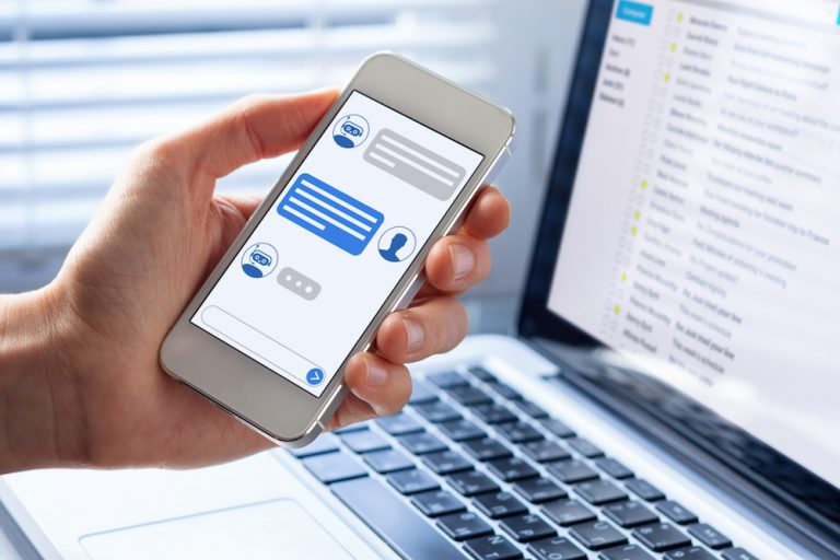 example of a customer service chatbot on a smartphone